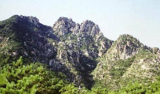 五峰山森林公園內有五峰山風景區內