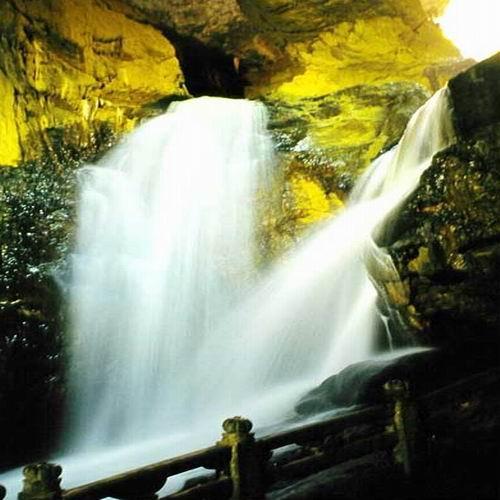 壁纸 风景 旅游 瀑布 山水 桌面 500_500